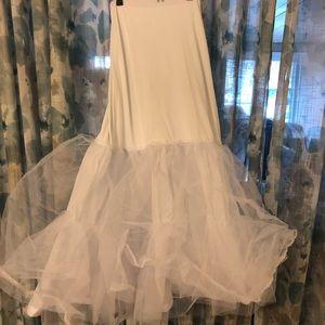 A-line petticoat wedding underskirt